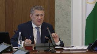 UTV. Радий Хабиров потребовал начать штрафовать за парковку на газонах с понедельника