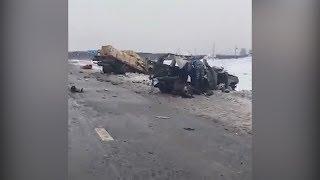 """На трассе в Башкирии столкнулись """"Камаз"""" и элитный внедорожник"""
