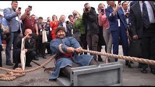 В Уфе Эльбрус Нигматуллин сдвинул с места 16-тонный мусоровоз