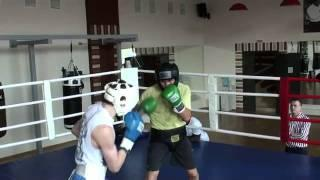 Спарринг профессионального боксера Дениса Шафикова