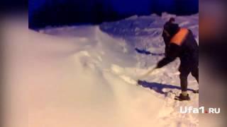 Жители деревень в снежном плену