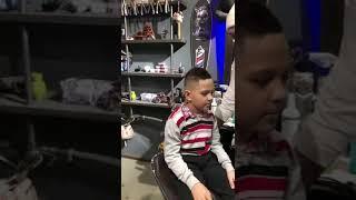 Мальчику, которому неизвестные срезали волосы в Благовещенске, сменили образ