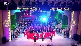 Салават Фатхетдинов спел «Мин яратам сине, Татарстан» в Уфе