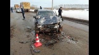 Две вазовские «десятки» столкнулись на трассе в Башкирии: погиб человек