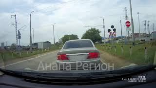 Момент аварии на ж/д переезде попал на камеру