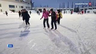 В Уфе проходит ледовая дискотека в честь Дня студента