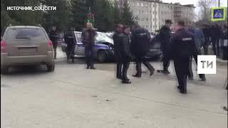 Очевидцы сняли на видео крупное ДТП с полицейским автомобилем в Бугульме