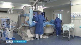 Республиканские кардиохирурги провели уникальную гибридную операцию на сердце