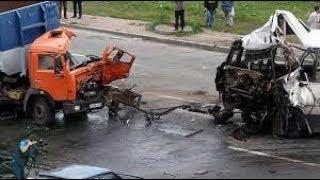 Аварии грузовиков : Подборка страшных ДТП Грузовиков Фур Дальнобойщиков на видеорегистратор