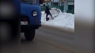 В Башкирии водитель разбил кречет