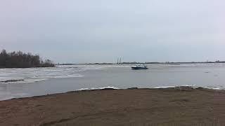 На реке Белая с оторвавшейся льдины на границе Татарстана и Башкортостана спасены 8 человек