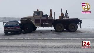 Легковушка столкнулась с грузовиком
