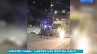 Троллейбус и автомобиль Mercedes столкнулись сегодня в Братске