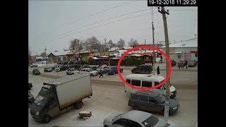 Момент ДТП в Башкирии, где водитель протаранил три машины, попал на видео