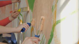 UTV. Город на ладонях. Московские художники разрисовали стену в северной части Уфы