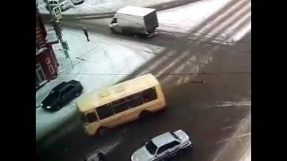 Разыскивается водитель, наехавший на женщину в Уфе 23 февраля