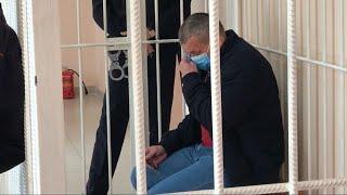 Зарезал семью и плачет: обвиняемый в двойном убийстве в Уфе раскаялся в суде