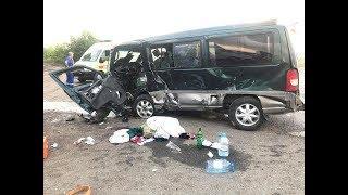 Один человек погиб при столкновении фуры, легковушки и микроавтобуса под Уфой