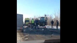 В столкновении легковушки с экскаватором погиб ребенок   Ufa1.RU