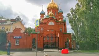 Я в Екатеринбурге / Сильный ветер валит столбы на машины