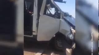Авария с участием большегруза и маршрутки произошла в Давлекановском районе Башкирии