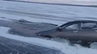 Ушла под лед: на водохранилище в Башкирии утонула машина