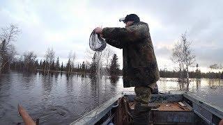 Ставим сети в затопленном лесу. Поиск места по большой воде.